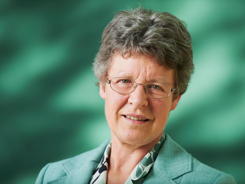 After 34 years from stealing her Noble Prize Jocelyn Bell Burnell get awarded a Special Breakthrough Prize in Fundamental Physics.