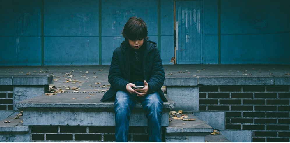 The Risks Of Teen Technology Addiction