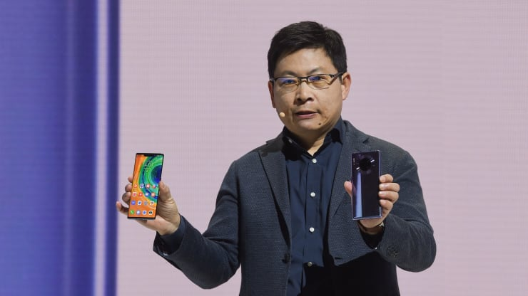 Huawei's China smartphone shipments soar at the expense of rivals like Apple